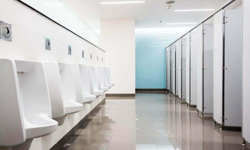 Waschräume und Toiletten
